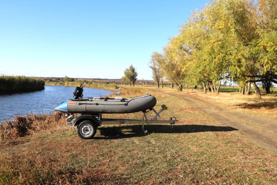 Легковой авто прицеп для перевозки лодки В3517