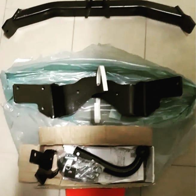 Комплект для установки фаркопа на автомобиль